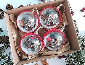 Dekorácie - Vianočné gule 4 ks sada červená perníky - 10182986_