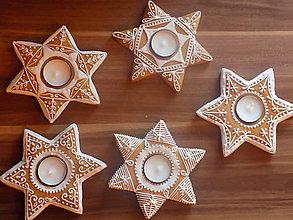 Dekorácie - Dekoratívny medovníkový svietnik - vianočný - 10178891_
