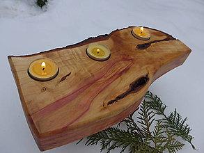 Svietidlá a sviečky - Drevený svietnik , slivka 3 - 10185601_