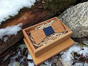 Doplnky - Pánsky drevený motýlik - 10186546_