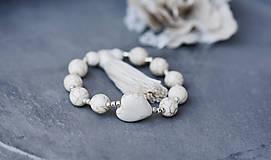 Náramky - Minerálny náramok so strapcom- White Love - 10185951_