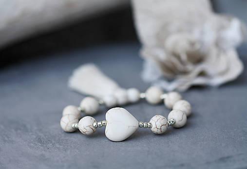 Minerálny náramok so strapcom- White Love