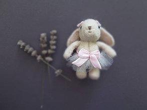 Odznaky/Brošne - Miniatúra obľúbenej hračky - brošňa - 10185294_