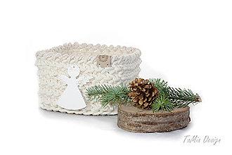 Košíky - Vianočný štvorcový košík s anjelikom - 10185153_