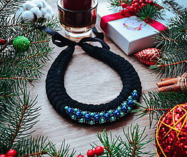 Náhrdelníky - Vianočný náhrdelník (Čierna) - 10186585_
