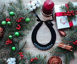 Náhrdelníky - Vianočný náhrdelník (Čierna) - 10186743_