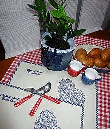 Úžitkový textil - Prestieranie pre babičku a deduška s folklórnou výšivkou - 10185699_