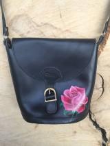 Kabelky - Kožená, ručne maľovaná kabelka -RUŽA - 10185879_