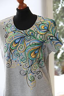 Tričká - Maľované tričko s pávími perami... - 10184059_