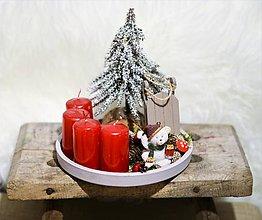 Dekorácie - Adventný svietnik s macíkom a sánkami - 10190501_