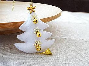 Dekorácie - Vianočný stromček- biely - 10189946_