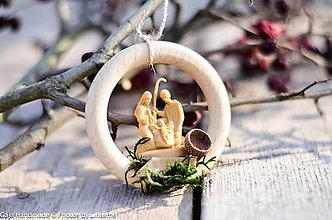 Dekorácie - betlehem na drevenom krúžku - 10191084_
