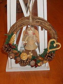 Dekorácie - Prírodný vianočný veniec - 10190169_