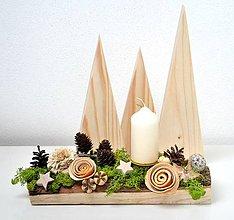 Svietidlá a sviečky - Vianočný svietnik-prírodný s machom - 10192954_