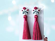Náušnice - Náušnice so strapcom a vyšívanými ružami - 10191656_