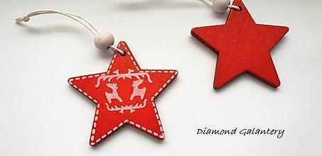 Galantéria - Drevený závesny výlisok - Hviezdička červená - jednostranný - 10192605_