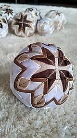 Dekorácie - Vianočná guľa 10 - 10192723_