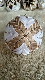 Dekorácie - Vianočná guľa 12 - 10192771_