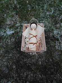 Dekorácie - Jezuliakto zo šúpolia - 10197185_