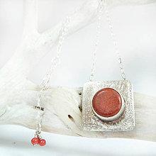 Náhrdelníky - Stříbrný přívěsek Jo s korálem a řetízkem - 10198258_