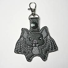Kľúčenky - Prívesok netopier (karabínka) - 10198119_