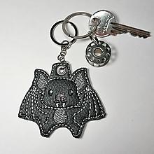Kľúčenky - Prívesok netopier (retiazka a krúžok) - 10198134_