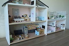 Hračky - Rodinný domček pre bábiky - 10196436_