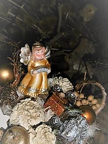 Dekorácie - Vianočná dekorácia s anjelikom v košíčku - 10202132_