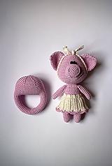 Hračky - Háčkovaná bábika - Slečna Prasiatko v sukničke + hryzátko - 10202477_