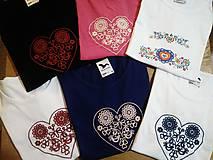 Tričká - Vyšívané tričko - 10203433_