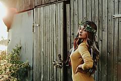 Ozdoby do vlasov - Prírodný lesný venček s perím - 10201130_