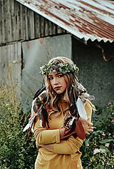 Ozdoby do vlasov - Prírodný lesný venček s perím - 10201133_
