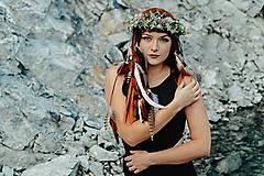 Ozdoby do vlasov - Prírodný lesný venček s perím - 10203299_