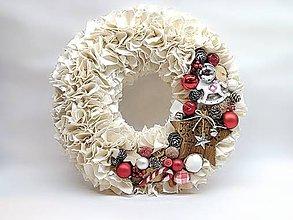 Dekorácie - Vianočný vidiecky strapatý venček - 10202926_