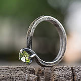 Prstene - Ako požiadať divožienku o ruku - 10206950_