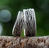 Prstene - Prepletené cesty osudu /celostrieborné varianty/ (Obrúčky s prachovými okrajmi) - 10207450_