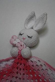 Hračky - Háčkovaný mojkáčik zajac - 10205079_