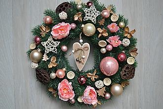 Dekorácie - Vianočný veniec Ružovo-krémový s pivonkami - 10205450_