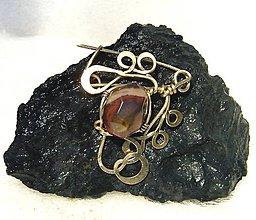 Odznaky/Brošne - Brošňa vytepaná z bronzu a Mookait (Austrálsky jaspis) - 10211264_