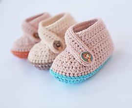 Topánočky - papučky s mačičkovým gombíkom - 10210839_