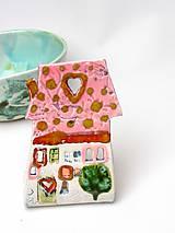 Svietidlá a sviečky - svietnik dom ružovo farebný - 10209630_