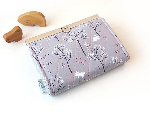 Peňaženka s priehradkami Zajačik v sade