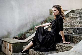 Šaty - Čierne košeľové šaty s krajkou - 10210307_