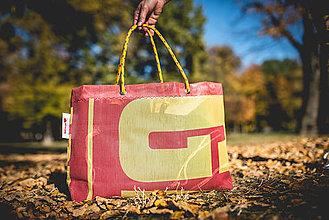 Veľké tašky - Úsmev ako dar - DORKA bag (Krvavé lúče) - 10212429_