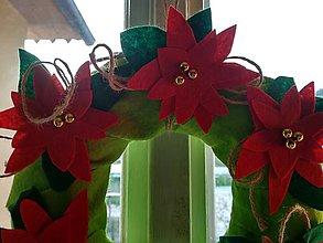 Dekorácie - Vianočné ruže -  venček - 10213433_