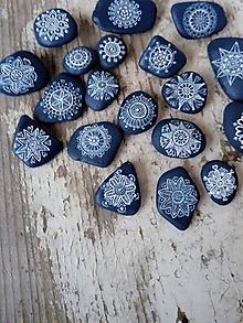 Drobnosti - Drobné modré kvietky - Na kameni maľované - 10213024_