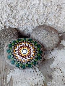 Dekorácie - Zelený - Na kameni maľované - 10213191_