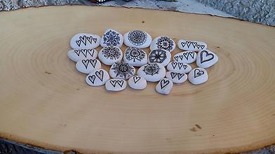 Drobnosti - ČB mini kresbičky - Na kameni maľované - 10213431_