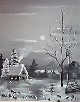 Chata na okraji zimného lesa
