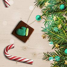 Dekorácie - FIMO vianočná ozdoba čokoládka - rukavica - 10213186_